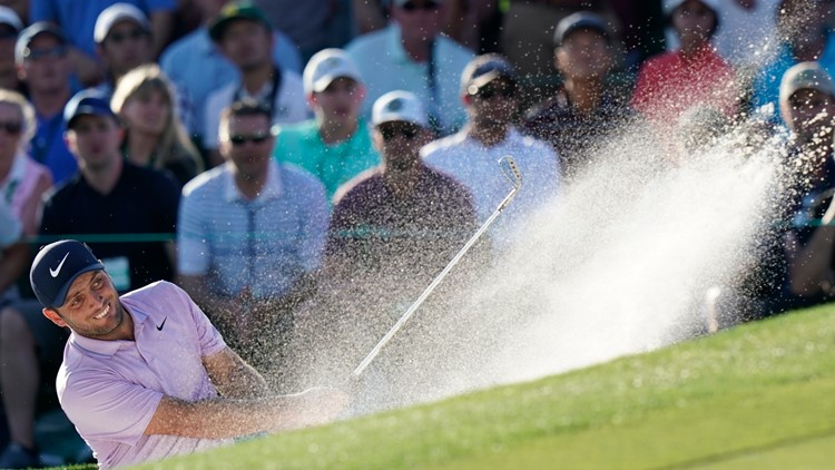 Molinari holds 2-shot lead over Woods, Finau for Masters final-round