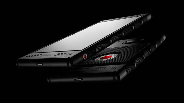 Red's Hype-Filled Holographic Phone Is Coming to AT&T and Verizon