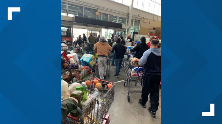 Texas grocery store let customers take free groceries when power went out, Facebook post says
