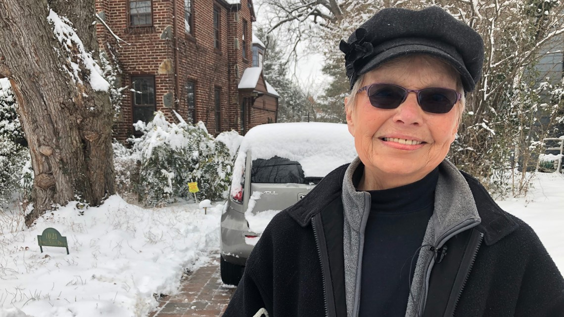 Kids shovel driveway for woman who just lost her husband