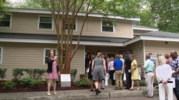 Newly renovated Virginia Beach girl's house unveiled
