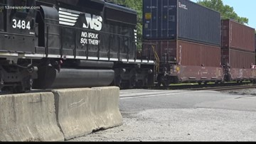 VERIFY: How long can a train legally block a crossing
