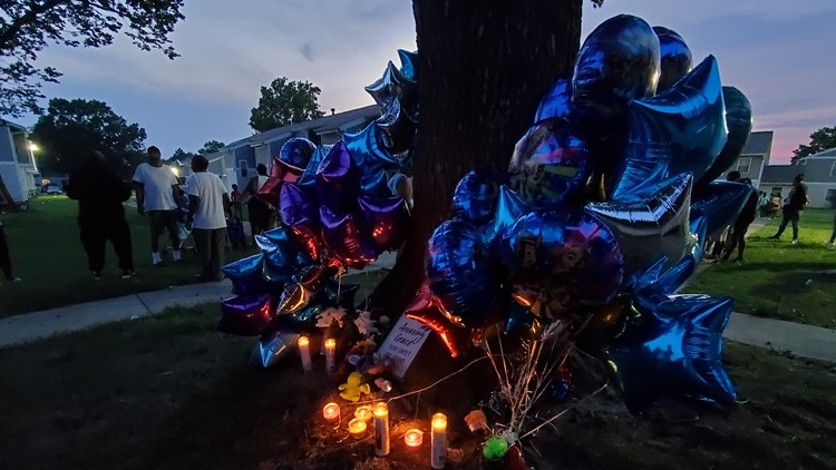 Community holds vigil in memory of child killed in Portsmouth apartment fire
