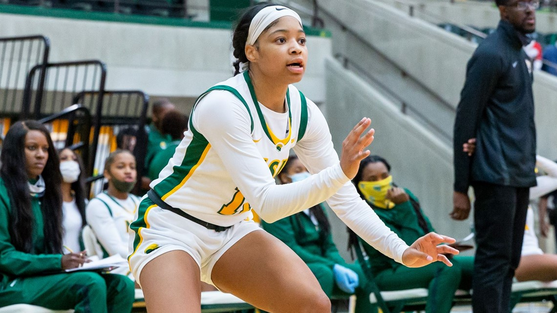 Spartan seniors come through with big win over A&T