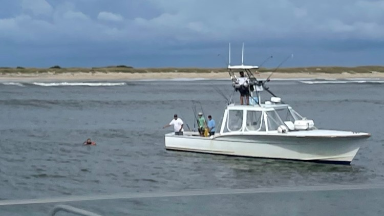 3 rescued after boat capsizes in Oregon Inlet