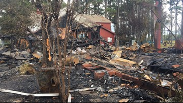 Massive fire destroys popular 'Cotton Gin' gift shop in Currituck County