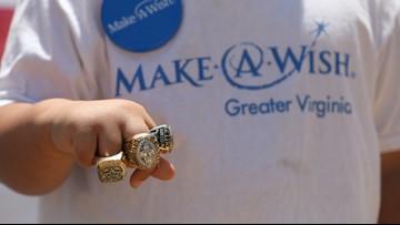 Former NFL player Darren Woodson visits local Make-A-Wish kid