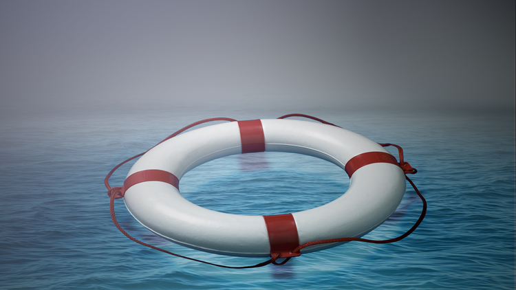 Coast Guard searching for missing boater in North Carolina
