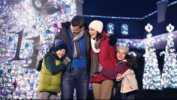 Williamsburg Christmas 2019.Busch Gardens Williamsburg S Christmas Town To Light Up The