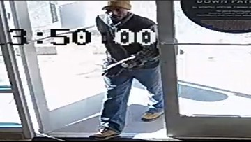 Suffolk police search for man who stole engagement rings