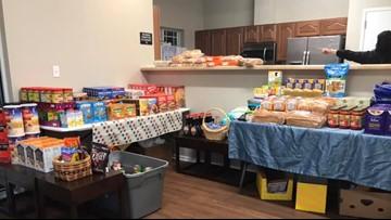 Air Force veteran serves dinner for Coast Guard families impacted by shutdown