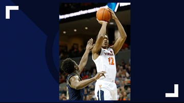 #4 UVA has enough to fend off Notre Dame