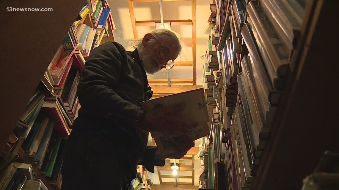 Decades-old bookstore in Ghent is shutting its doors