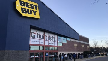 Hopeful Hampton Roads shoppers line up for early Black Friday deals