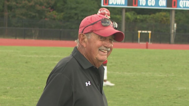 Crabbers help Mike Smith get 500th career win