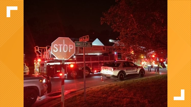 York-Poquoson deputies pull woman from burning home