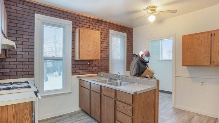 Michigan home listing goes viral after Bernie Sanders meme appears in photos